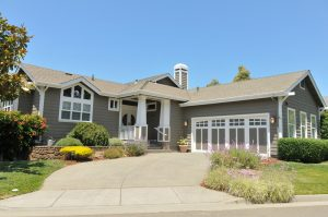 house-large-driveway